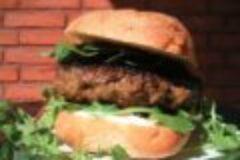 Wildrezept der Woche: Wildburger vom Grill auf getoastetem Ciabatta