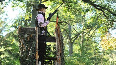Pinewood Oviken Damen Fleecejacke Realtree AP Pink HD®/Jagdgrün auf der Jagd