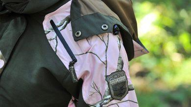 Pinewood Red Deer Damen Jagd Jacke: Detail Tarnmuster