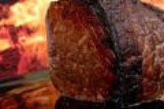 Wildgericht der Woche: Rehkeule mit Waldpilzen und Preiselbeeren