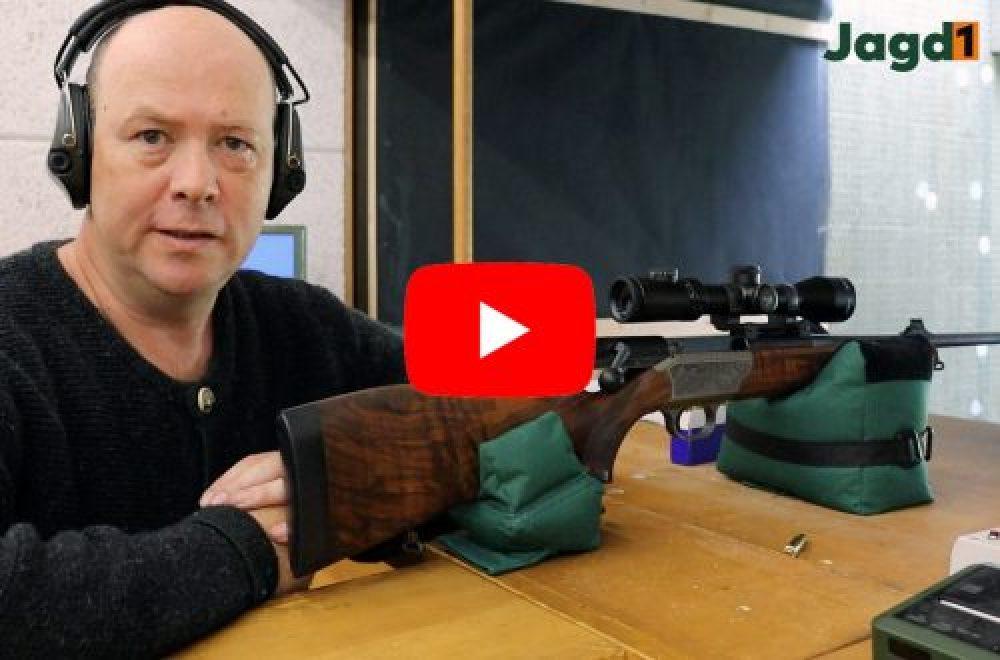 Jagdausrüstung im Einsatz – Waffe einschießen